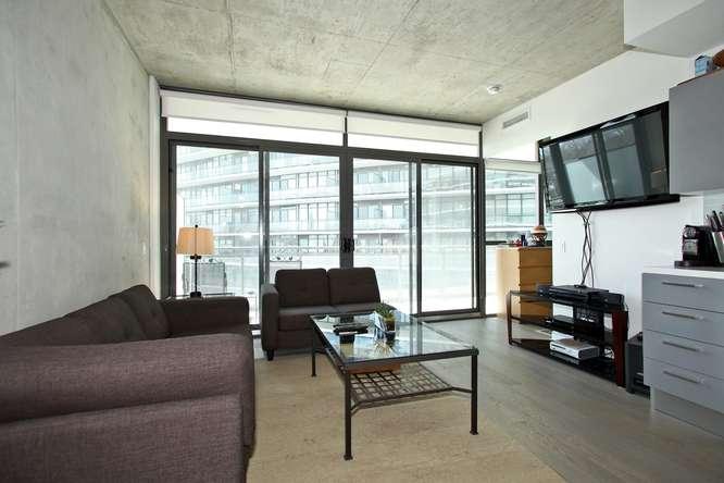 1201 Dundas Street East 412-small-003-3-Living Room-666x444-72dpi.jpg