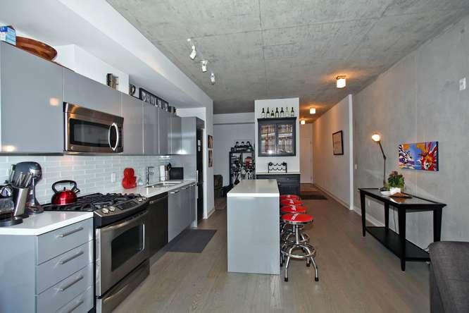 1201 Dundas Street East 412-small-010-10-Kitchen-666x444-72dpi.jpg