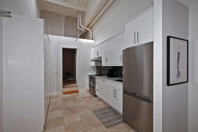115326 Carlaw Ave Toronto ON-small-011-8-Kitchen-666x444-72dpi.jpg