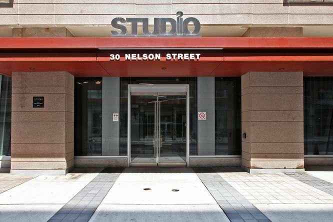 30 Nelson St Unit 423 Toronto-small-002-6-Building  Entryway-666x444-72dpi.jpg