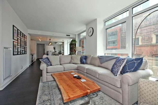 30 Nelson St Unit 423 Toronto-small-012-18-Main Living Area-666x444-72dpi.jpg