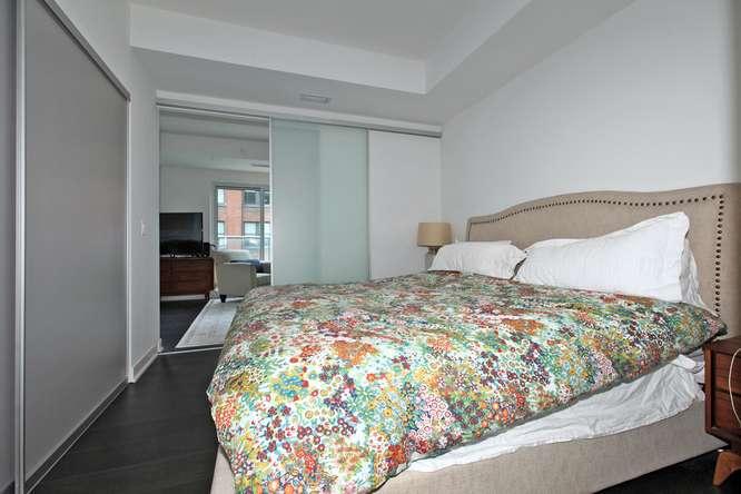 30 Nelson St Unit 423 Toronto-small-020-14-Master Bedroom-666x444-72dpi.jpg