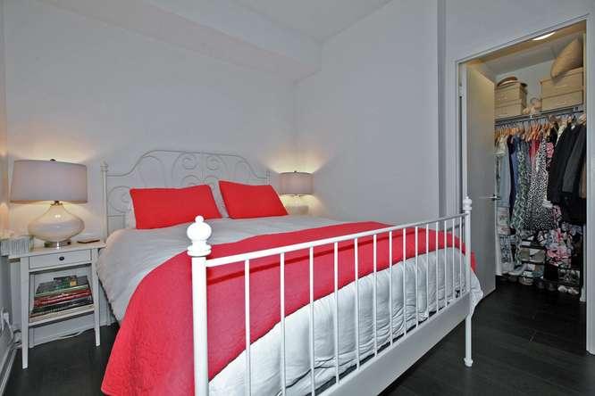 30 Nelson St Unit 423 Toronto-small-024-29-Bedroom-666x444-72dpi.jpg