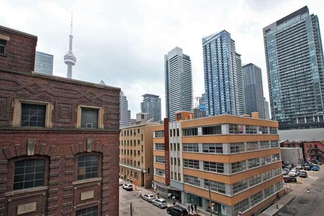 30 Nelson St Unit 423 Toronto-small-027-25-View-666x444-72dpi.jpg