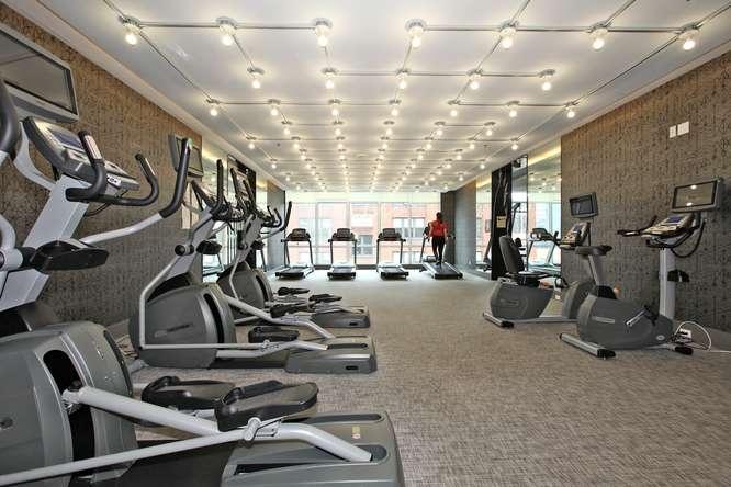 30 Nelson St Unit 423 Toronto-small-028-26-Building  Exercise Room-666x444-72dpi.jpg
