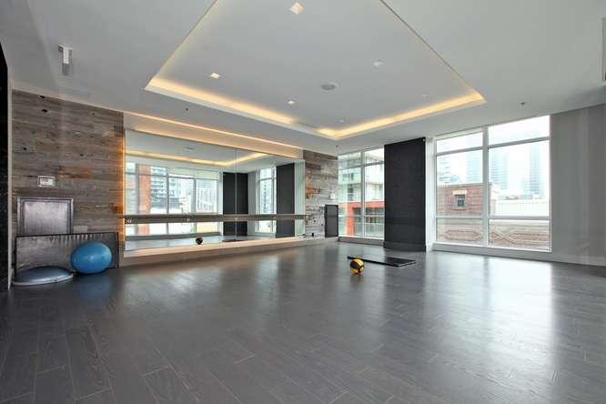 30 Nelson St Unit 423 Toronto-small-030-28-Building  Exercise Room-666x444-72dpi.jpg