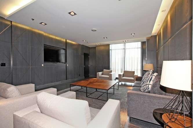 30 Nelson St Unit 423 Toronto-small-038-44-Building  Media Room-666x444-72dpi.jpg