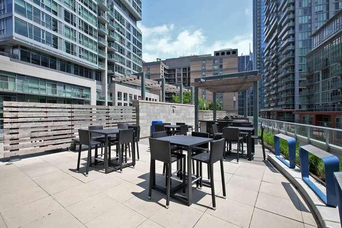30 Nelson St Unit 423 Toronto-small-040-30-Building  Terrace-666x444-72dpi.jpg