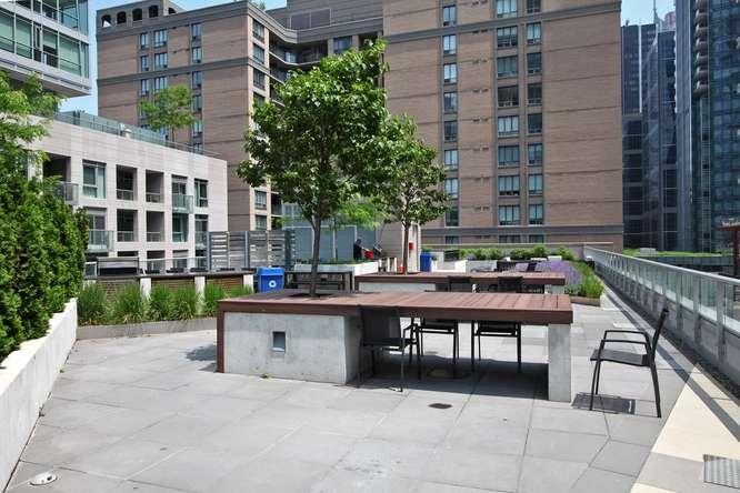 30 Nelson St Unit 423 Toronto-small-042-35-Building  Terrace-666x444-72dpi.jpg