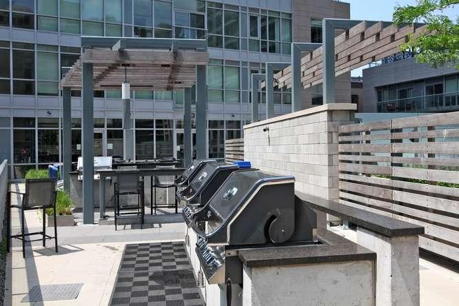 30 Nelson St Unit 423 Toronto-small-044-45-Building  Terrace-666x444-72dpi.jpg