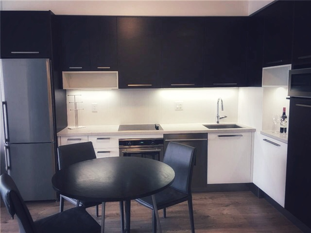 36 Park- Kitchen 2.jpg