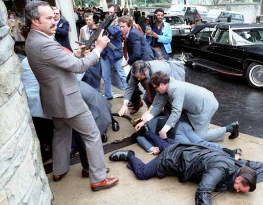 Secret Service agents in response to the assassination attempt of Ronald Reaganby John Hinckley, Jr.on March 30, 1981