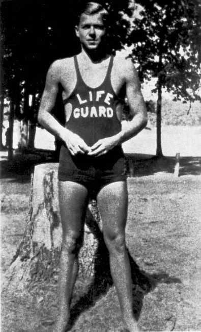 Ronald_Reagan_as_Lifeguard_1927.jpg