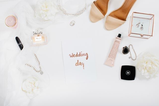 "https://www.dropbox.com/sh/n3szk4oguisaikz/AAByhaQ_V8QywP9YT7fxLklPa/Wedding%20Day?dl=0&preview=WeddingDay-Image1.jpg""target=""_blank"