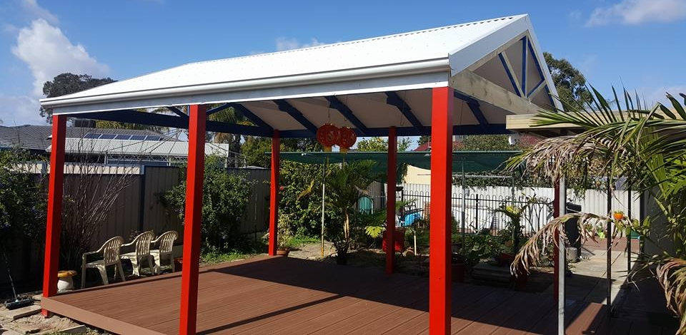 Patio, sheeting and gutter 1.jpg