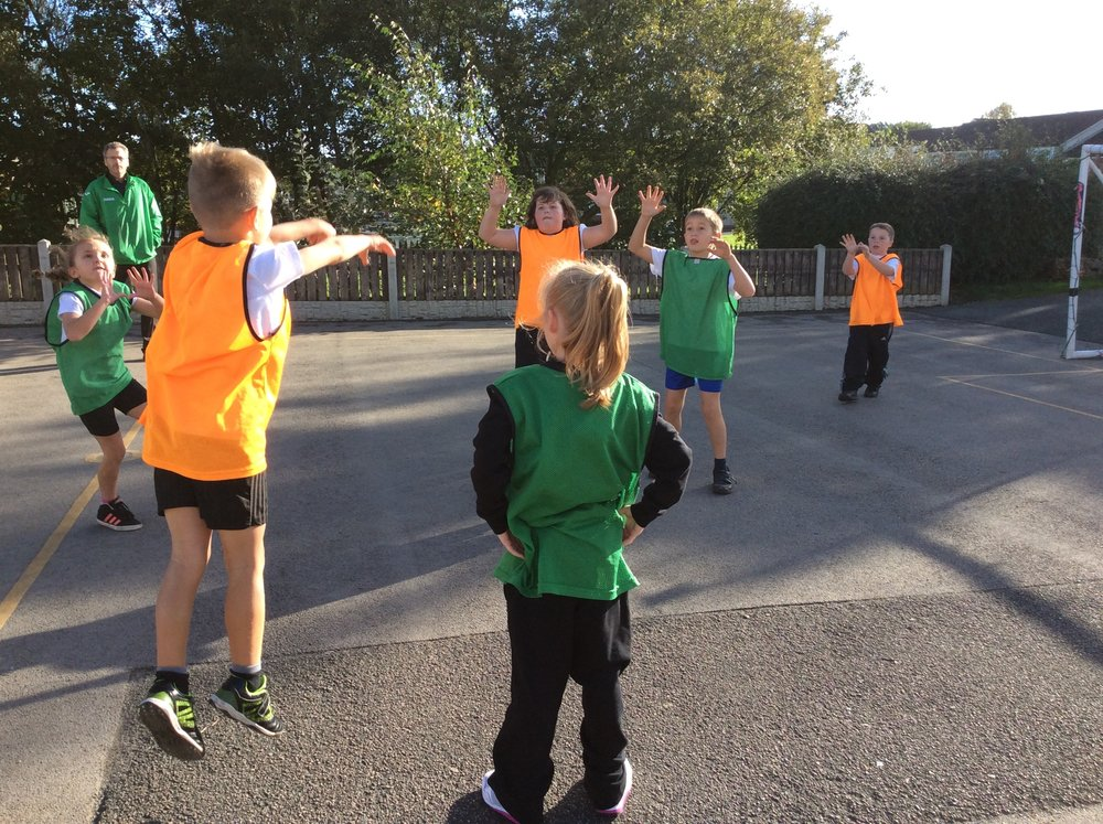 High 5 Netball - practicing our passes!