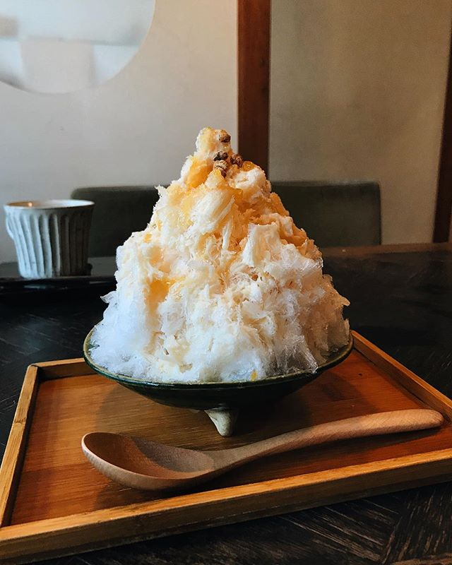Kotikaze's milk caramel kakigori is probably the best I've had this summer #こちかぜ #大阪 #大阪カフェ #かき氷 #ミルクキャラメル味 #おいしかった #谷町六丁目 #谷町六丁目カフェ #japan #osaka #kakigori #food #cafe