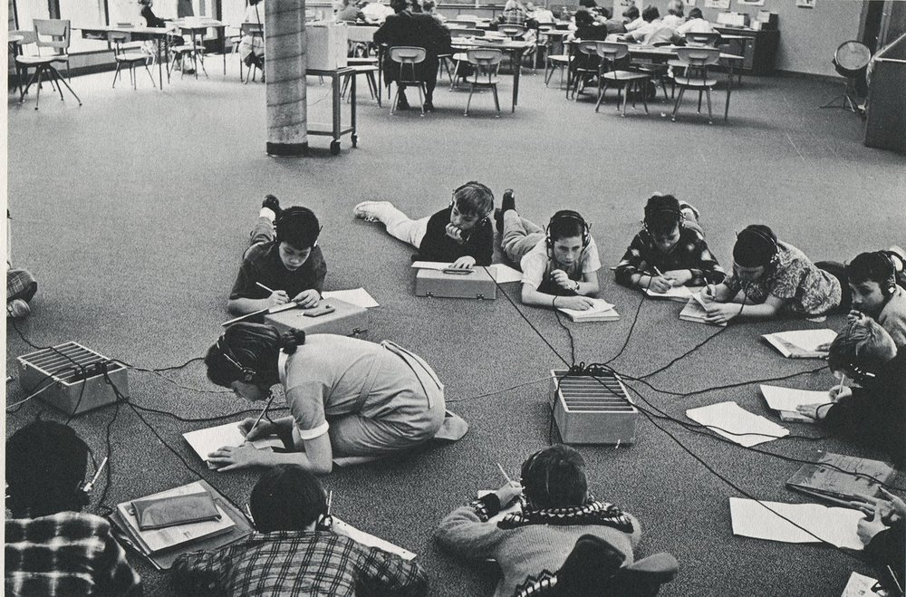 Taped individual programs with headsets, open classroom, Granada Community School, Belvedere-Tiburon, California, 1972
