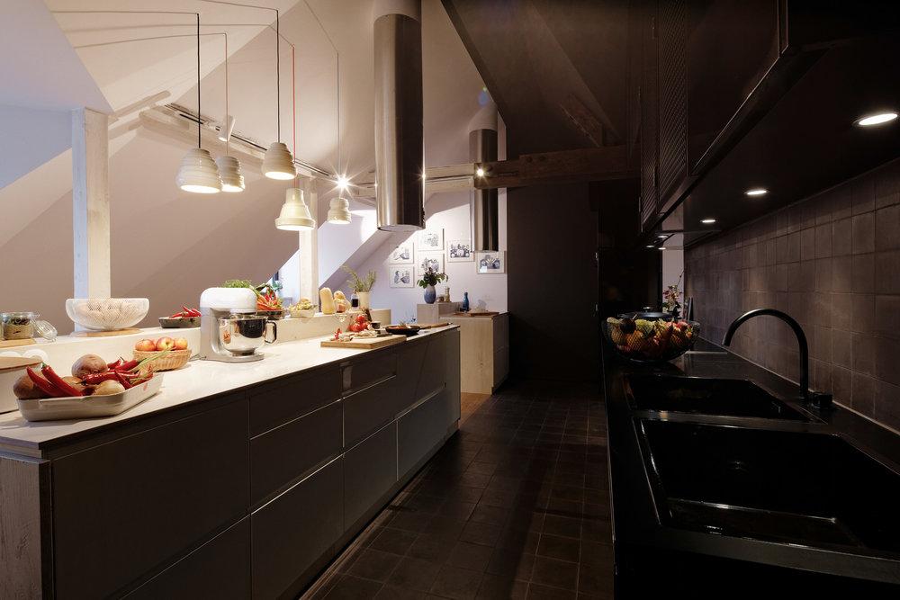 21_Community Kitchen_Dieter Schwer.jpg