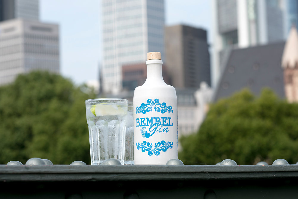 Bembel-Gin_Flasche_Eisener-Steg_001.jpg