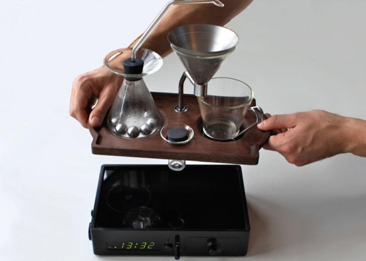 Joshua-Renouf-Hybrid-Coffee-Brewer-Alarm-Clock-The-Bariseur-2-e1406919761256.jpg