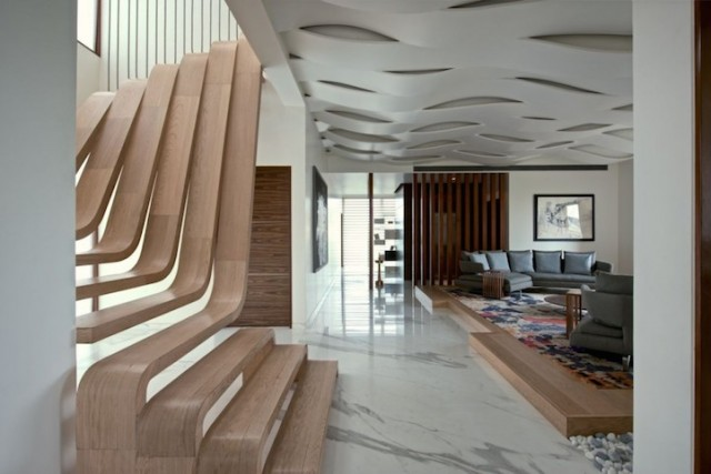 Stunning-Wooden-Staircase1-640x427