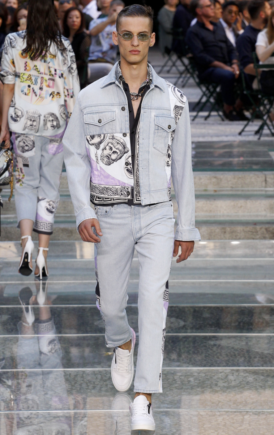 Versace DTK Men 4.png