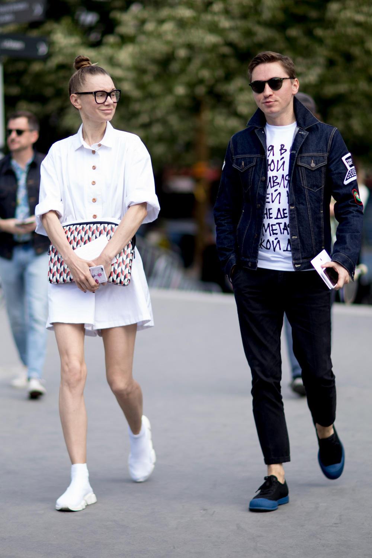paris-fashion-week-mens-spring-2018-street-style-19.jpg