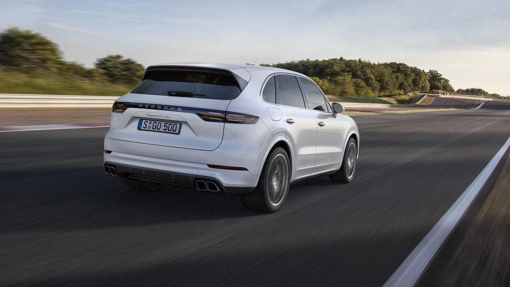 2019-cayenne-turbo-dtk.jpg