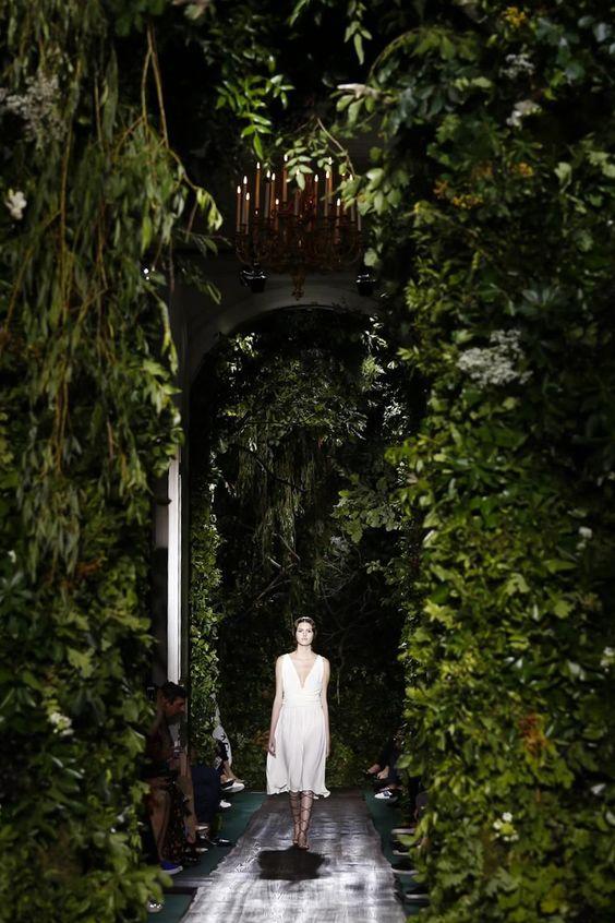 silkentile-green-inspiration-concept-gold-destination-wedding-islands-mykonos-elegant-10.jpg
