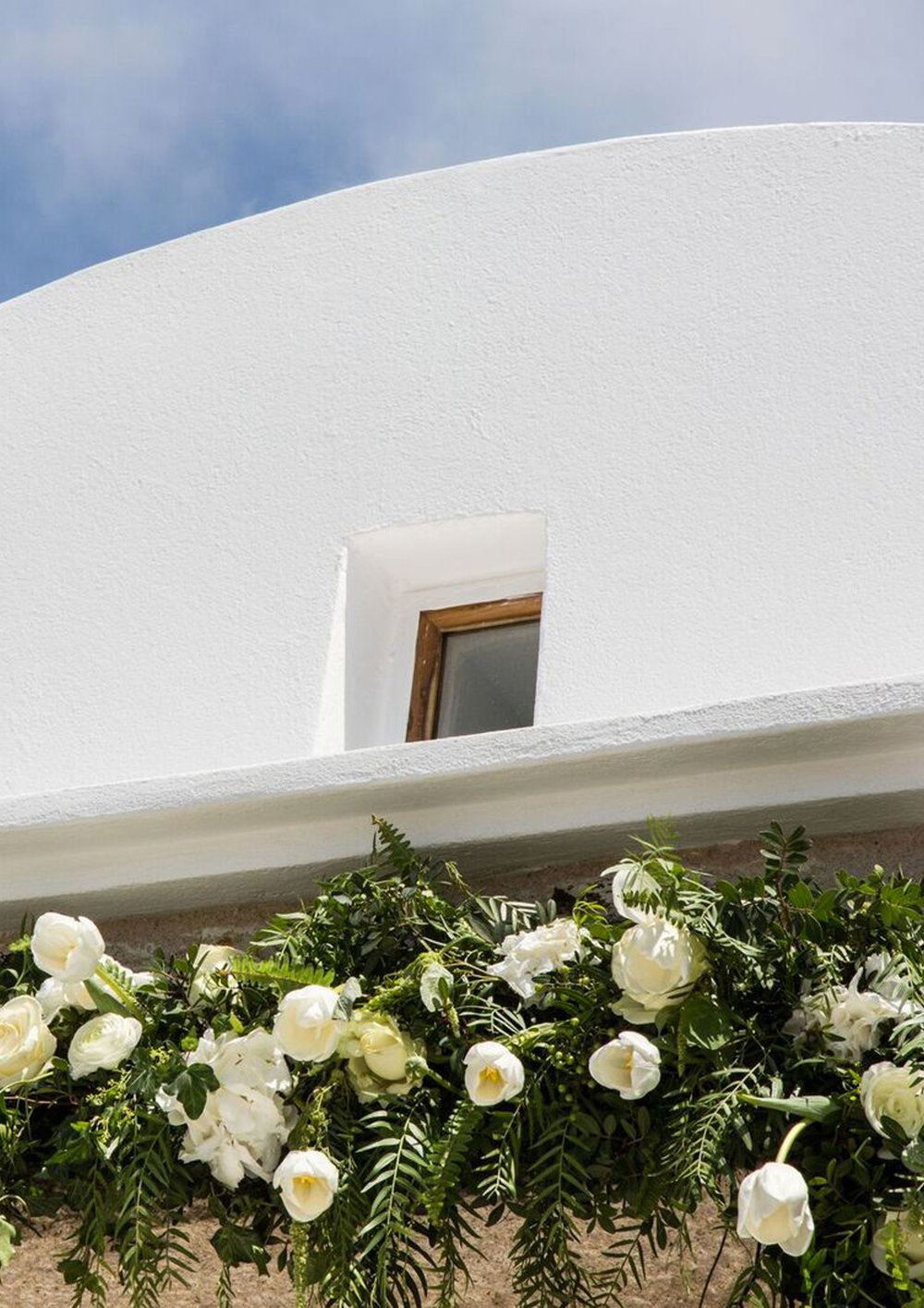 ORGANIC ELEGANCE - Beach Wedding in Mykonos