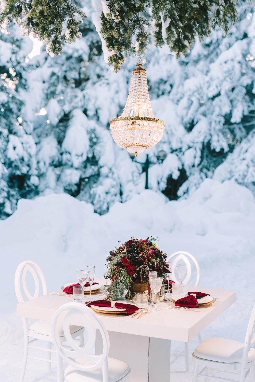 styled-shoot-winter-elatos-resort-greece-destination-wedding-table-luxury-chic-burgundy-white-gold-dinner-floral-design-crystal-chandelier