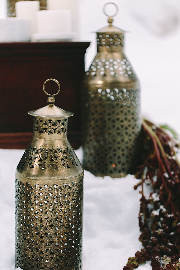destination-wedding-greece-elatos-resort-laterns-candles-marble-gold-decoration-wedding-planning
