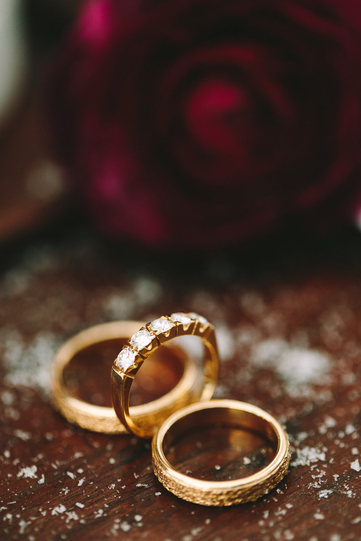 destination-winter-wedding-planning-greece-athens-gold-jewelry-diamonds-luxury-chic