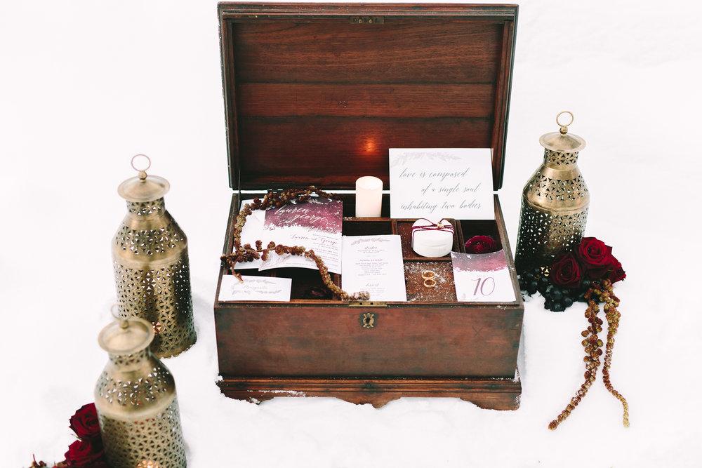 destination-wedding-greece-event-planning-decoration-stationery-gold-favors