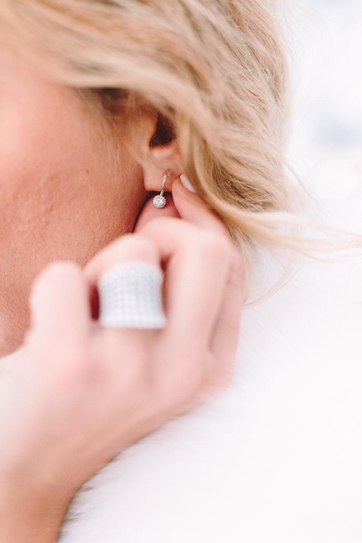 wedding-ring-diamonds-bride-dress-costarelos