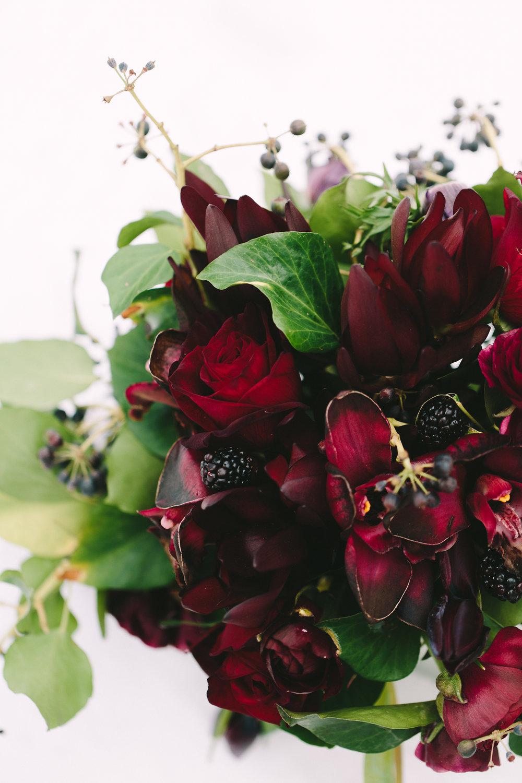 wedding-floral-design-destination-burgundy-roses-berries-greenery