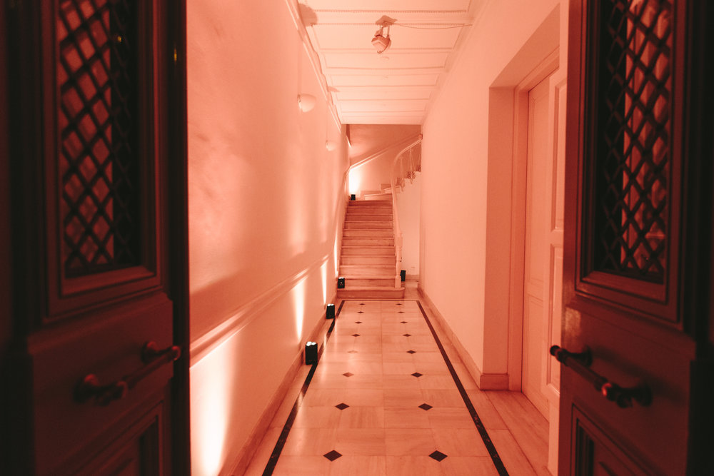 art-gallery-athens-dinner-party-luxury-mirror-dark-moody-concept-event-planner46.jpg