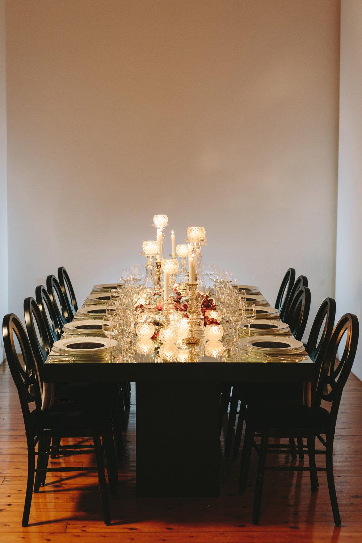 art-gallery-athens-dinner-party-luxury-mirror-dark-moody-concept-event-planner6.jpg