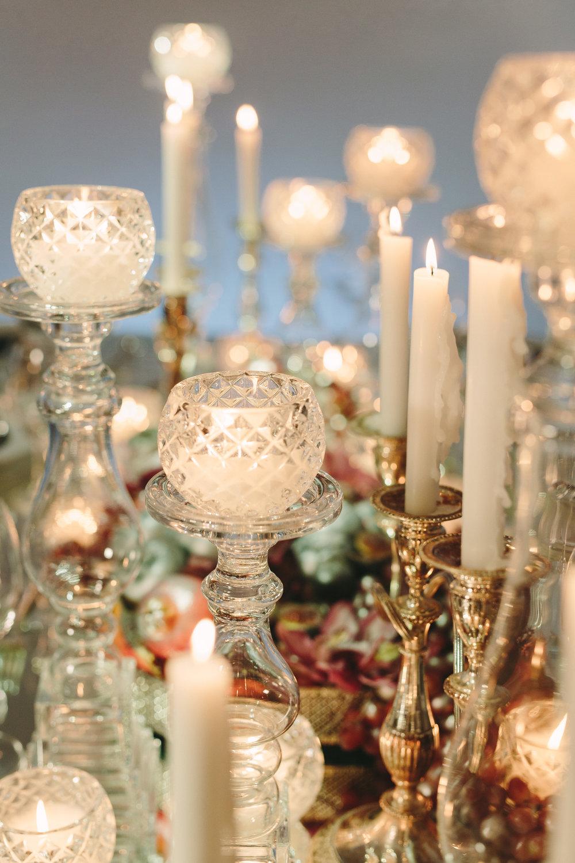 art-gallery-athens-dinner-party-luxury-mirror-dark-moody-concept-event-planner16.jpg