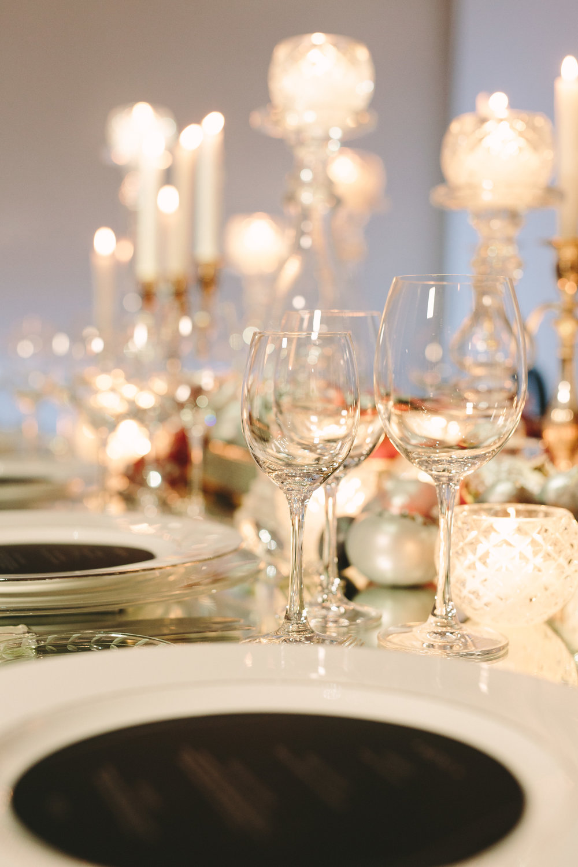 art-gallery-athens-dinner-party-luxury-mirror-dark-moody-concept-event-planner10.jpg