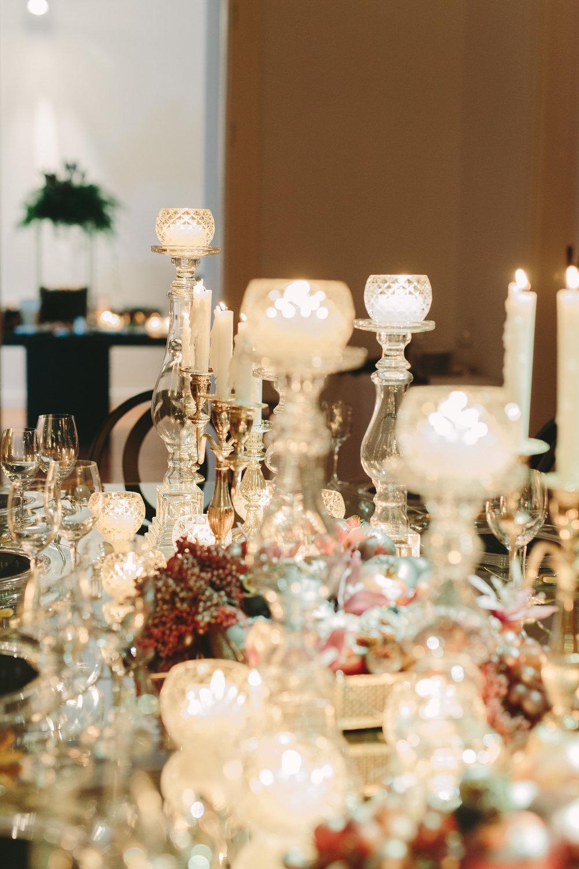 art-gallery-athens-dinner-party-luxury-mirror-dark-moody-concept-event-planner49.jpg