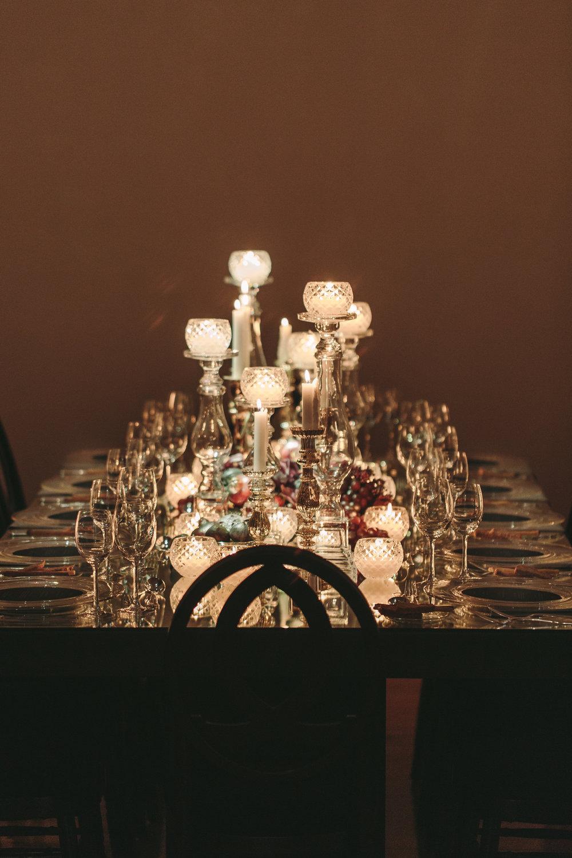 art-gallery-athens-dinner-party-luxury-mirror-dark-moody-concept-event-planner54.jpg
