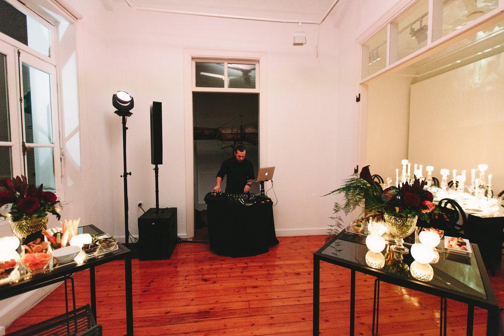 art-gallery-athens-dinner-party-luxury-mirror-dark-moody-concept-event-planner38.jpg