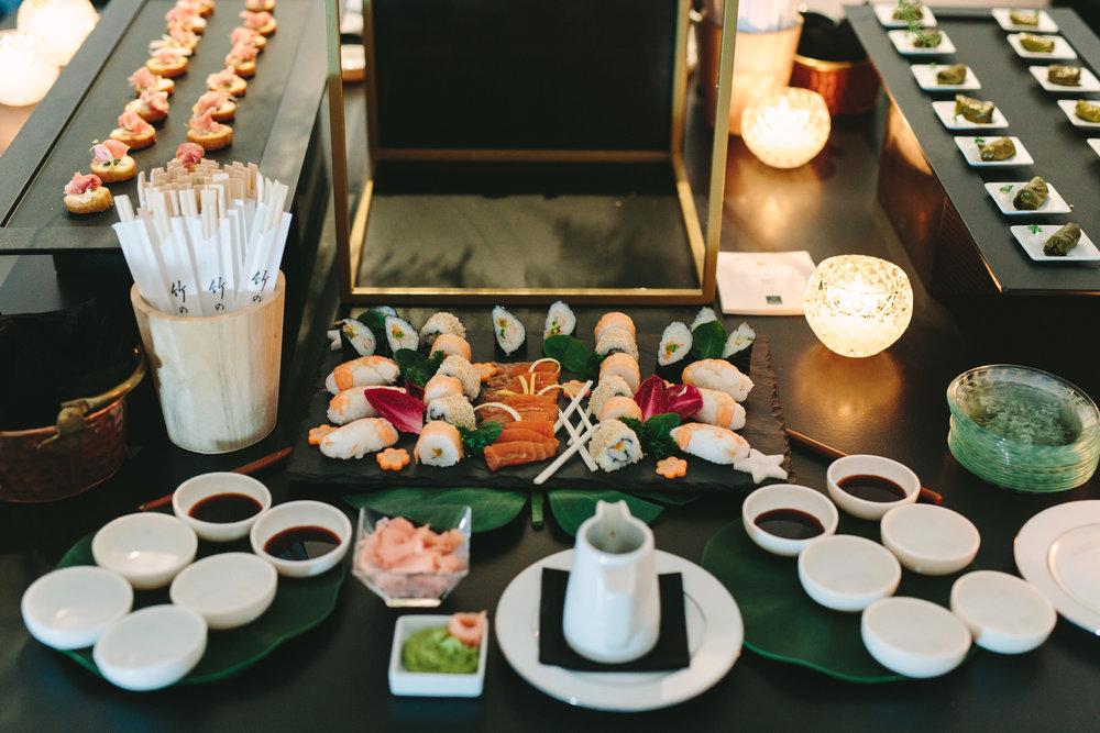art-gallery-athens-dinner-party-luxury-mirror-dark-moody-concept-event-planner51.jpg