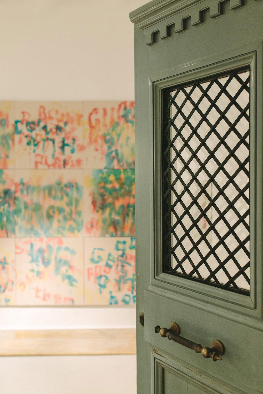 art-gallery-athens-dinner-party-luxury-mirror-dark-moody-concept-event-planner1.jpg