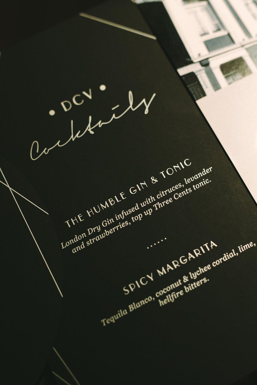 art-gallery-athens-dinner-party-luxury-mirror-dark-moody-concept-event-planner24.jpg