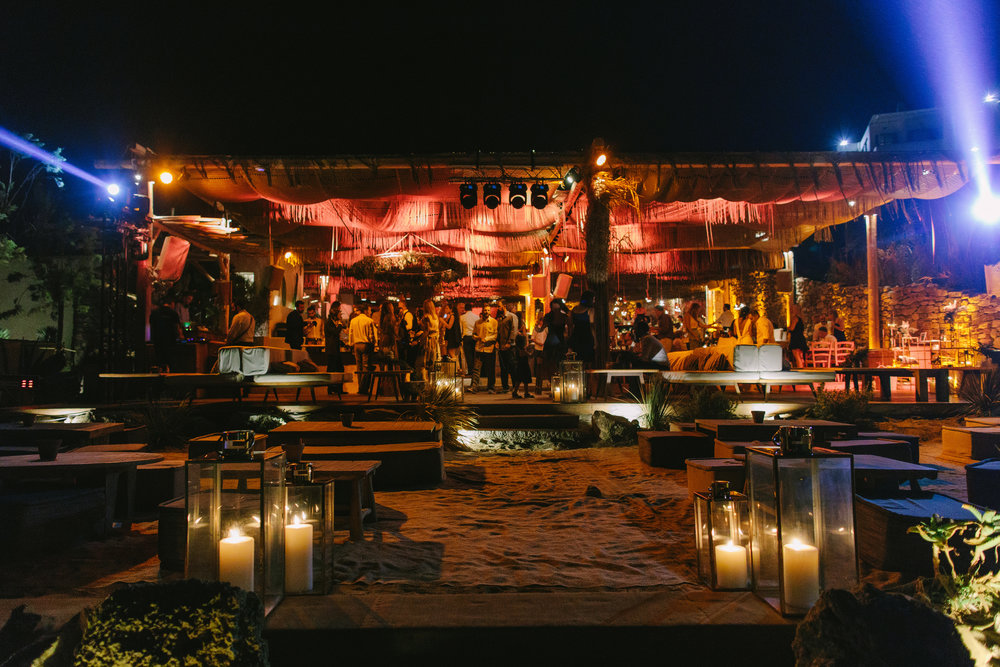 mykonos-wedding-event-planning-luxury-beach-alemagou-dinner-