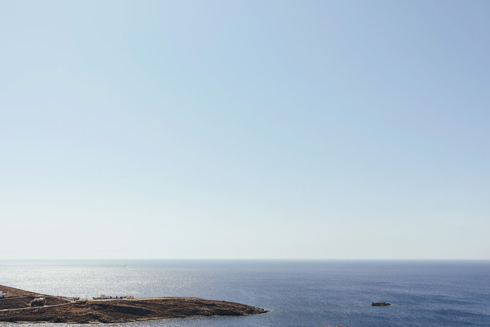 wedding-planning-silkentile-kythnos-island-greece-luxury-destination-luxury-gold-blush-beach-sunset-party-ceremony