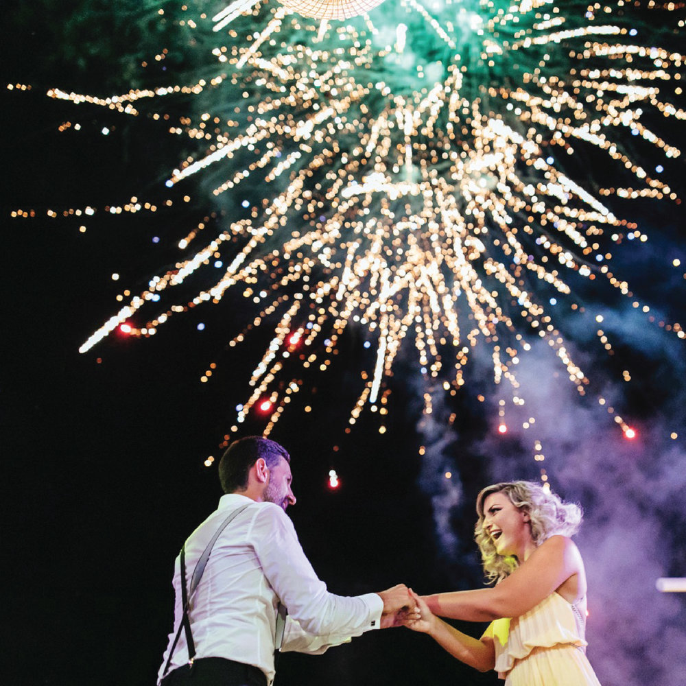 wedding-party-light-effects-greek-island-fireworks-silkentile-wedding-planning-event-firm